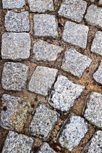 szara kostka granitowa